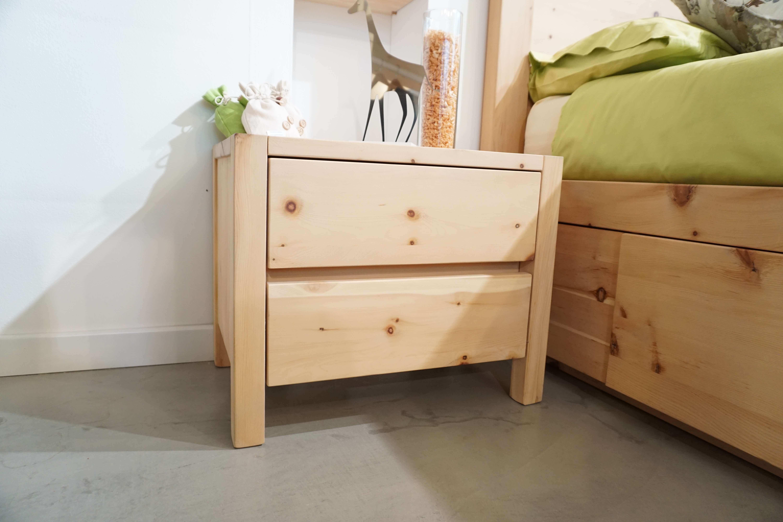 Modello Cirmolo Comodino a 2 cassetti realizzato in legno ...